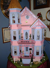 My Victorian Doll House, Nelson Crest