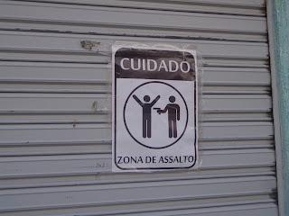 Cartazes espalham o medo nas ruas de Juazeiro.