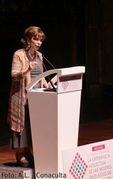 Isabel Allende en el Congreso Internacional de la Experiencia Intelectual de las Mujeres en el Siglo XXI