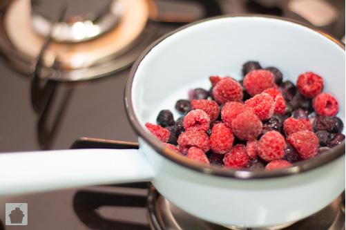 Receita calda de frutas vermelhas