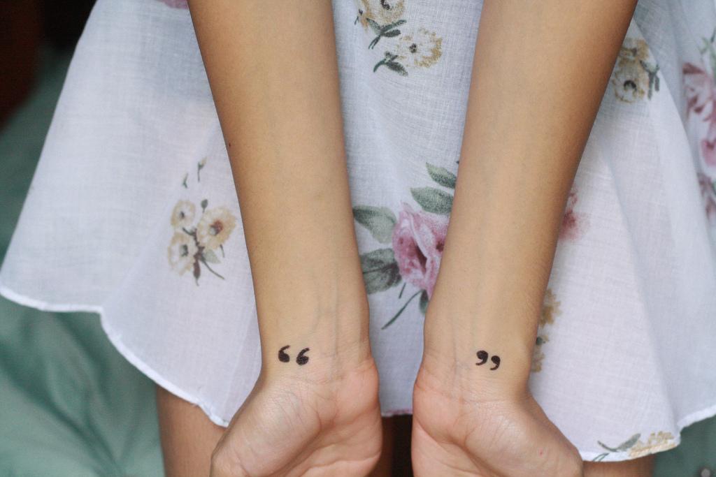 Top 100 des motifs de tatouage poignet femme - Tatouage Poignet Femme Coeur