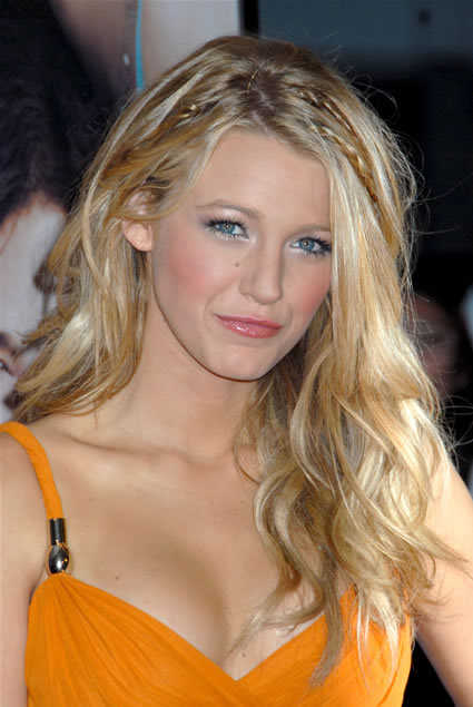 Top 20 Hollywood Celebrities Fashionable Blonde Hairstyles - Blake Lively
