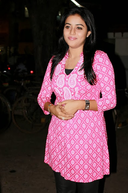 Poorna Bright In Pink Top
