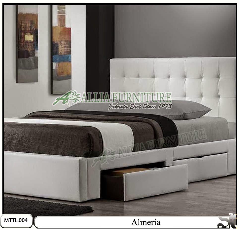 Tempat tidur model minimalis laci kulit Almeria