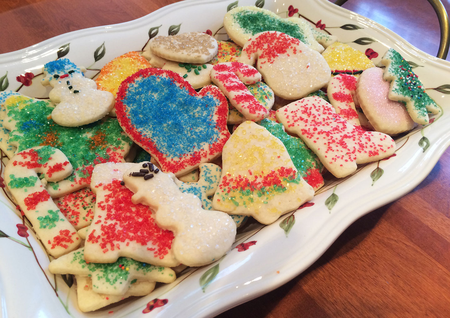 if theres one holiday tradition that i couldnt live without it would be decorating christmas sugar cookies with my younger brother and my mom - Decorating Cookies With Sprinkles For Christmas