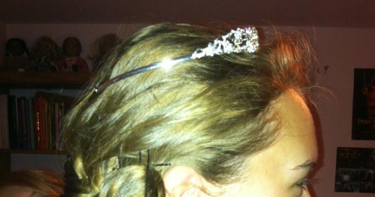 Jessica Bocanegra Creative Hair Pinned Up Diagonal