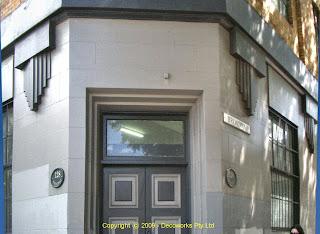 Pioneer house corner entrance
