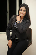Actress Poorna latest photos-thumbnail-3