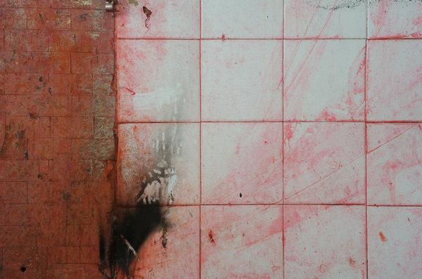 Cemento e pittura sul pavimento ecco come eliminarle - Macchie parquet ...
