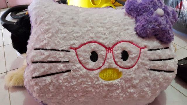 Ini adalah gambar Bantal Boneka Lucu Hello Kitty