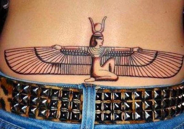 tatuaje espalda baja mujerer