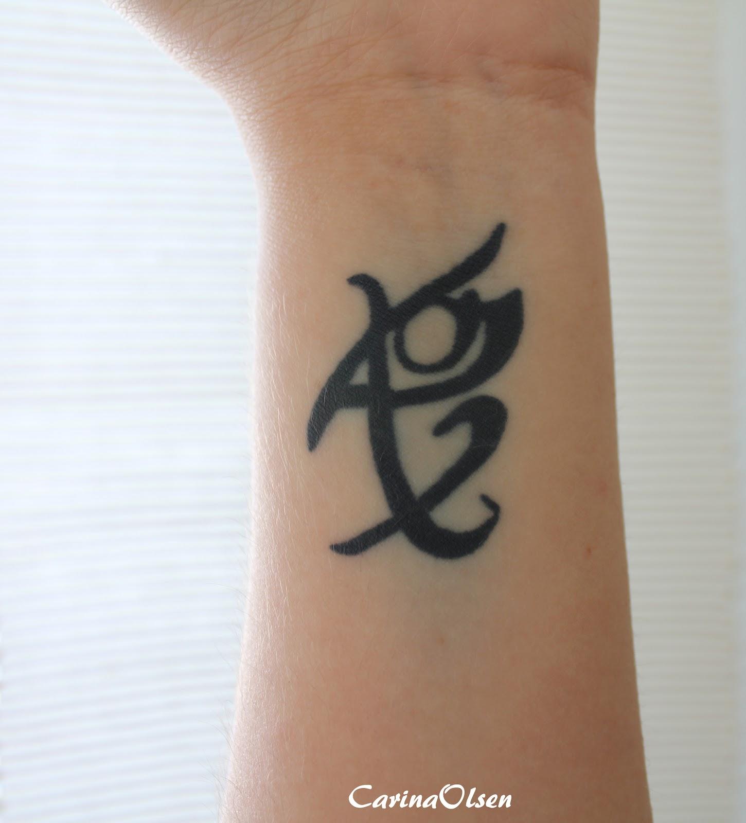 carina 39 s books fearless rune tattoo. Black Bedroom Furniture Sets. Home Design Ideas