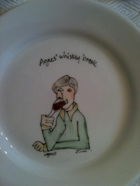 hand painted gift, whiskey, red wine, plate