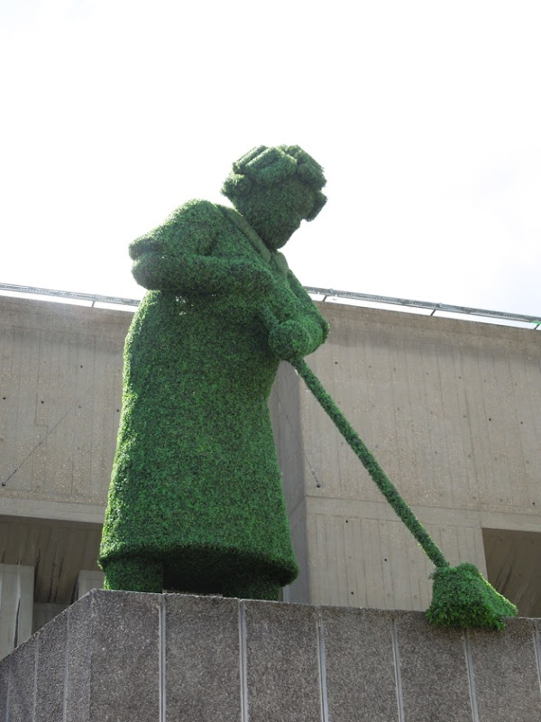 Southbank Festival of Neighbourhood topiary figure