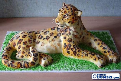 Kek Dengan Rupa Bentuk Yang Menarik (6)