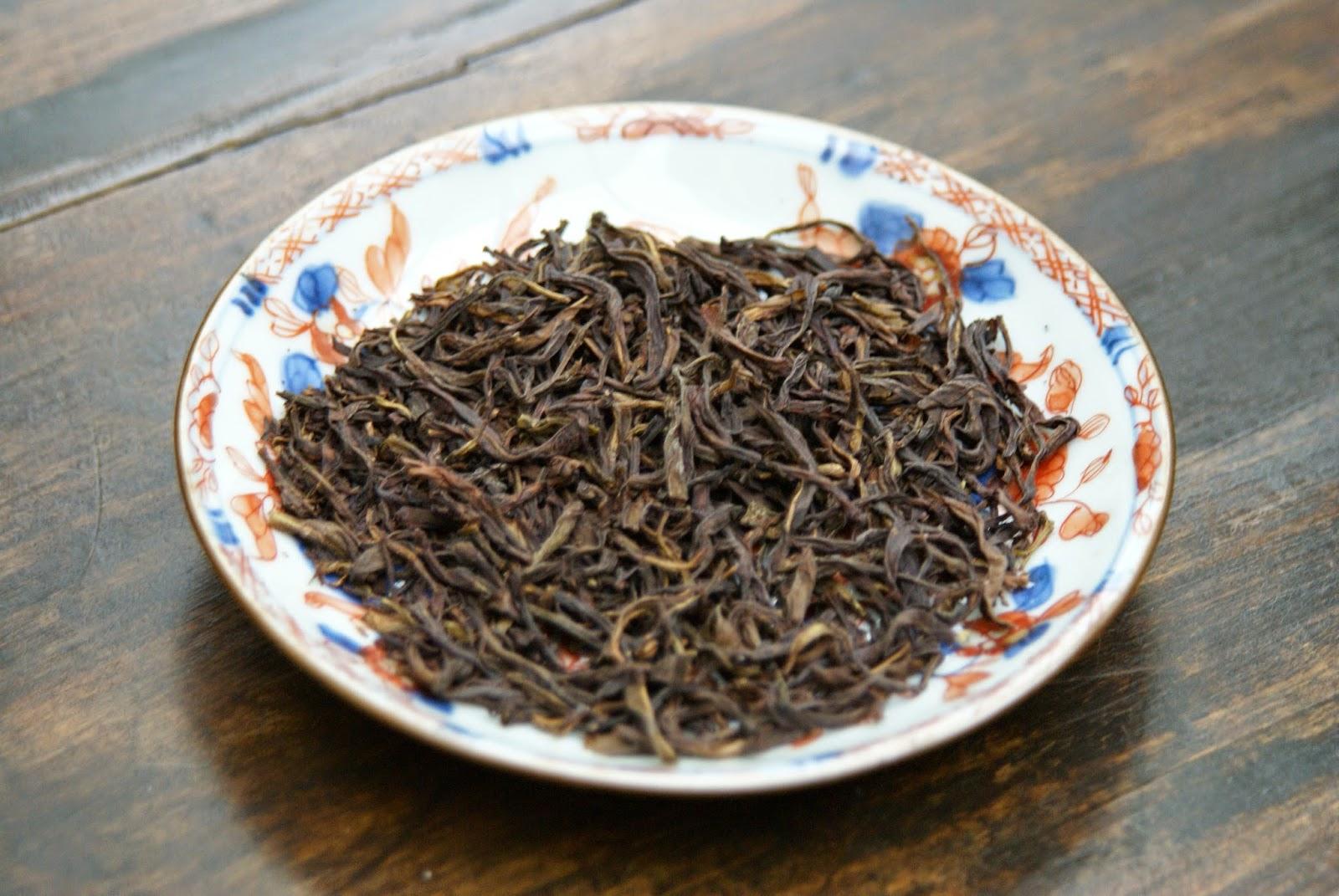 thé et céramique : assiette chinoise ancienne en porcelaine