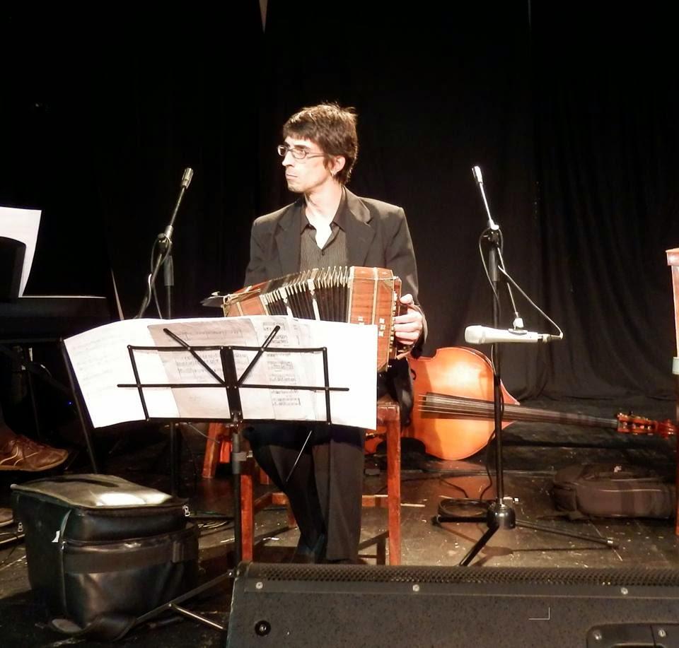 Daniel Arbós actuo para el Club de Tango el 23 de mayo del 2014