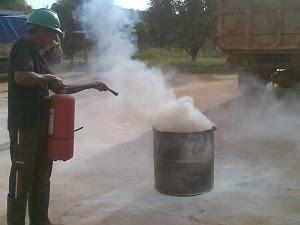 latihan pemadam kebakaran 2