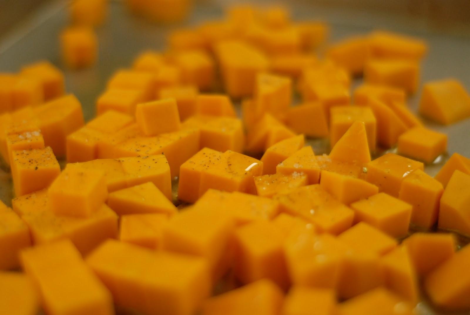 Foodie-bia: Broccoli Basil Mac and Cheese
