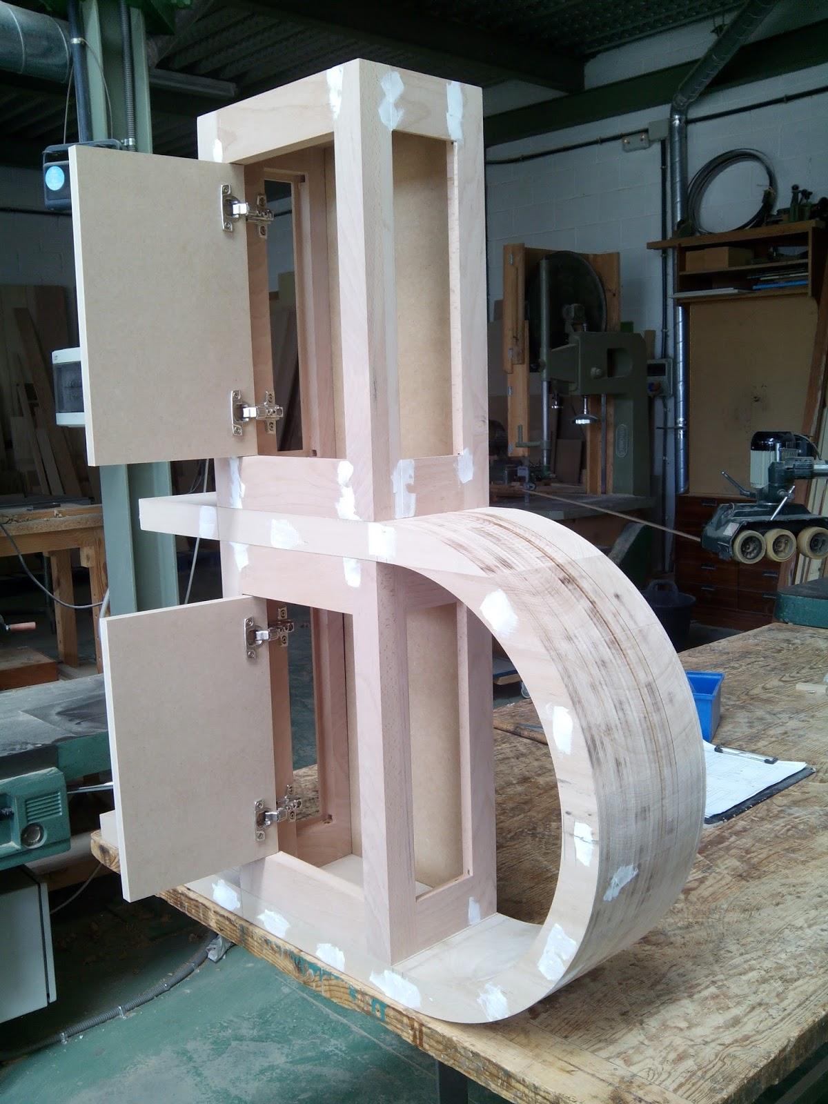 Mueble para cuarto de ba o en madera de haya muebles for Mueble bano de madera