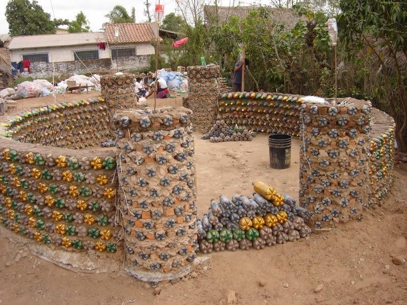 Suenabien natural ecoladrillos construir casas para los for Materiales para un vivero