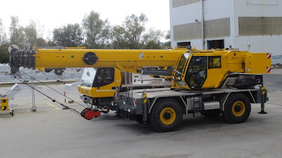 The very first crane using ICOS is this new GROVE RT550E