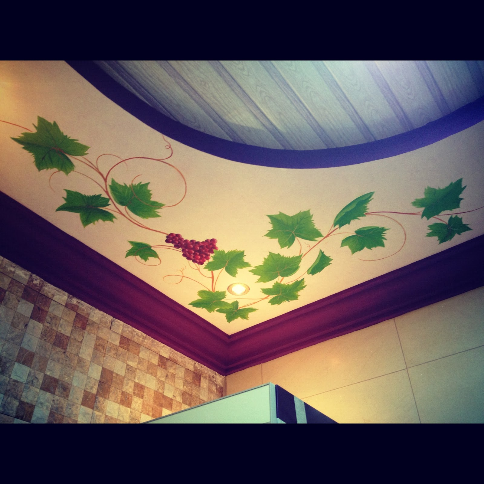 Wall design ideas grapes painting on ceiling for Painting on ceiling