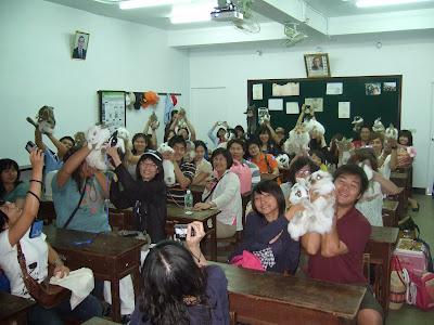 玉兔復古教室、復古課桌椅、鉛筆影片、玉兔鉛筆學校