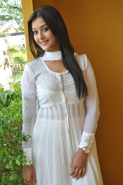 Pooja Jhaveri Stills At L7 Movie Launch
