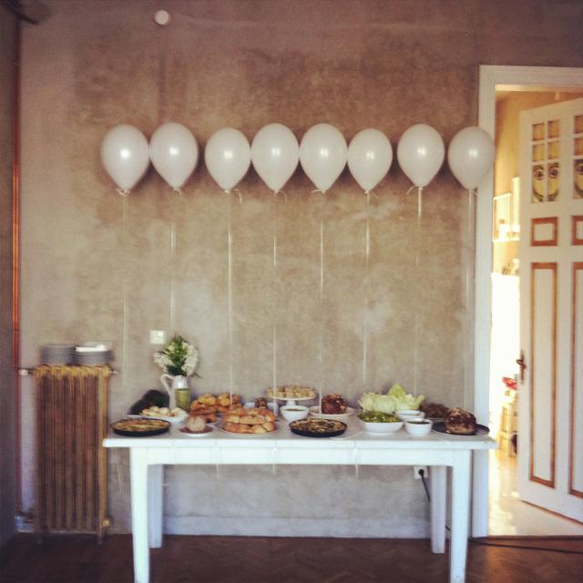 Inspiraci n decorar una fiesta de aniversario somosdeco for Decoracion para aniversario