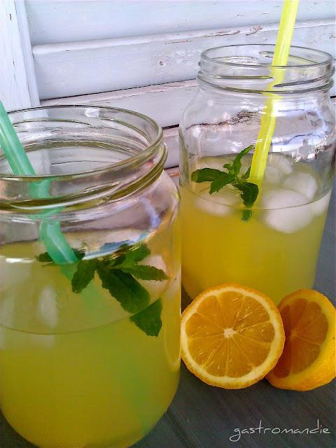 λεμοναδα με φρεσκια μεντα