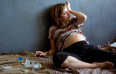 hamilelikte esrar kullanmak, gebelikte uyuşturucu kullanımı