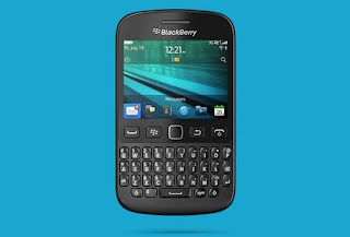 Recently, BlackBerry has officially launched the BlackBerry 9720 running OS 7.1 and QWERTY keyboard support. On the hardware side, 9720 is equipped with 2.8 inch touch screen resolution of 480x360 pixels, right below the QWERTY keypad with separated keys is quite similar to the BlackBerry Curve series before.