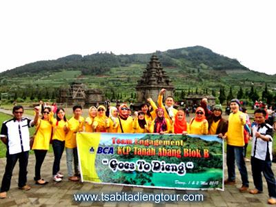 http://www.wisatadiengwonosobo.com/2015/05/paket-tour-wisata-dieng-wonosobo.html