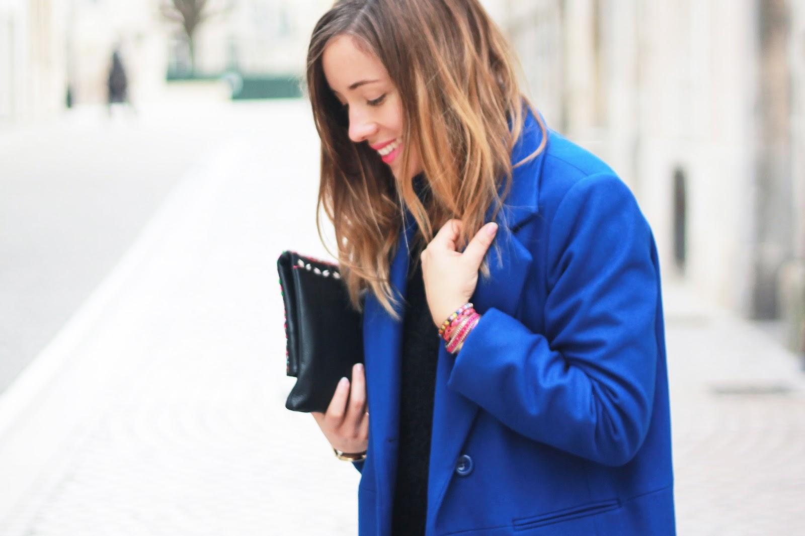 Manteau bleu électrique