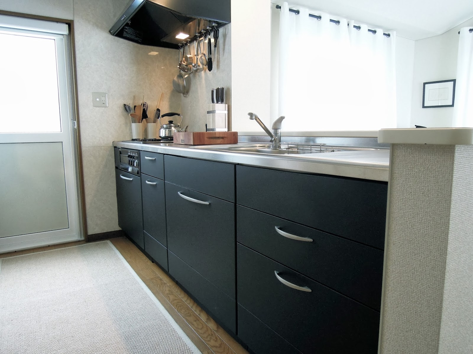 designpunk: Rad Black Cabinets in My Japanese Kitchen on mint green kitchen cabinets, white kitchen cabinets, sage green kitchen cabinets, two tone kitchen cabinets, rta kitchen cabinets, cream kitchen cabinets, light kitchen cabinets, color kitchen cabinets, blue kitchen cabinets, yellow painted kitchen cabinets, green painted kitchen cabinets, tan kitchen cabinets, neutral kitchen cabinets, brown kitchen cabinets, eggshell kitchen cabinets, charcoal gray kitchen cabinets, glazed kitchen cabinets, buttermilk kitchen cabinets, painting kitchen cabinets, espresso kitchen cabinets,