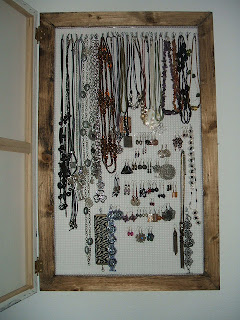 Manualidades de pili cuadros - Para colgar collares ...