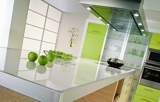 Comment choisir le bon plan de travail pour la cuisine - Plan de travail cuisine en verre ...
