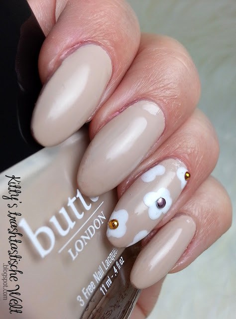 Nagelneu ... White Daisy