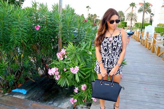 Kassandra muestra looks de moda