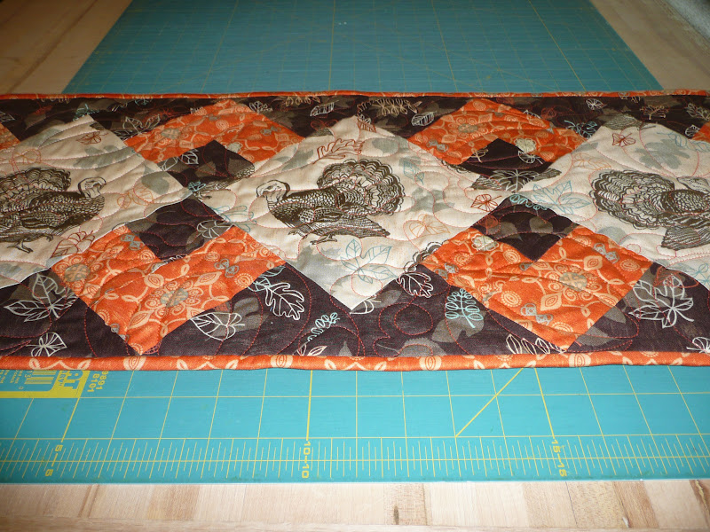 Thanksgiving Quilted Table Runner Patterns : Acorn Ridge Quilting: My Turkey Table Runner