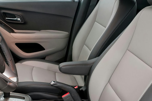carro Tracker Chevrolet 2014 - acabamento interno