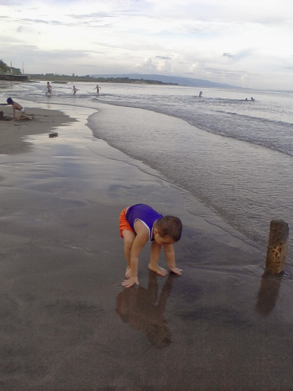 my son grounding on the shore