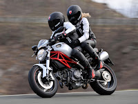 2013 Ducati Monster 796 gambar Motor 1