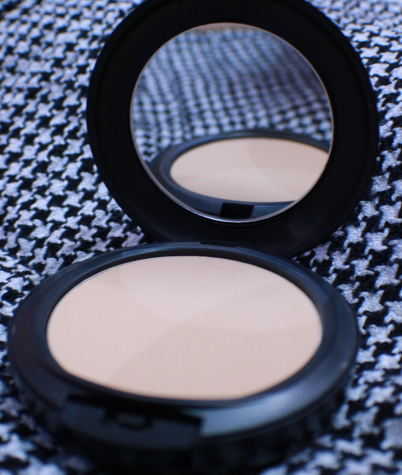 My icy world of color mac studiofix powder review foundation and powder gives skin a smooth flawless all matte full coverage finish long wearing lasts for up to eight hours a real all in one nvjuhfo Gallery