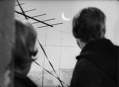 The Sun in a Net • Slnko v sieti (1962)