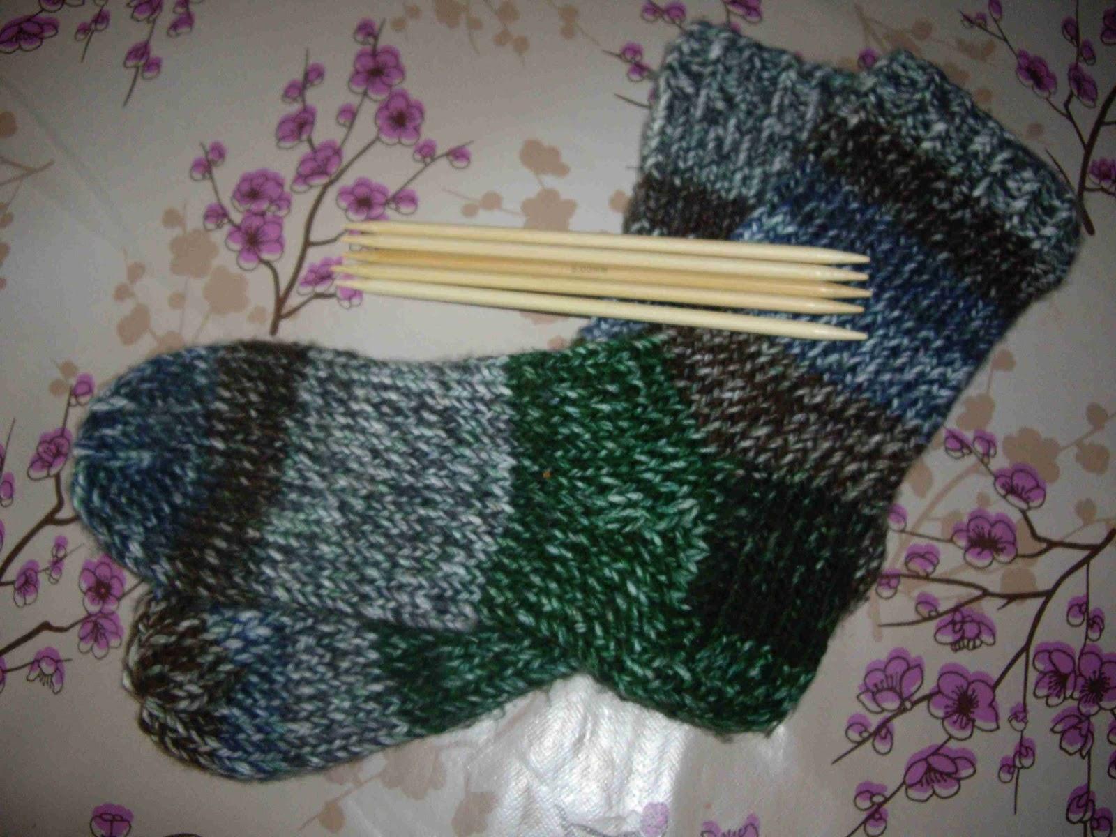 Vero 39 s zakka calcetines con 5 agujas - Como hacer calcetines de lana ...