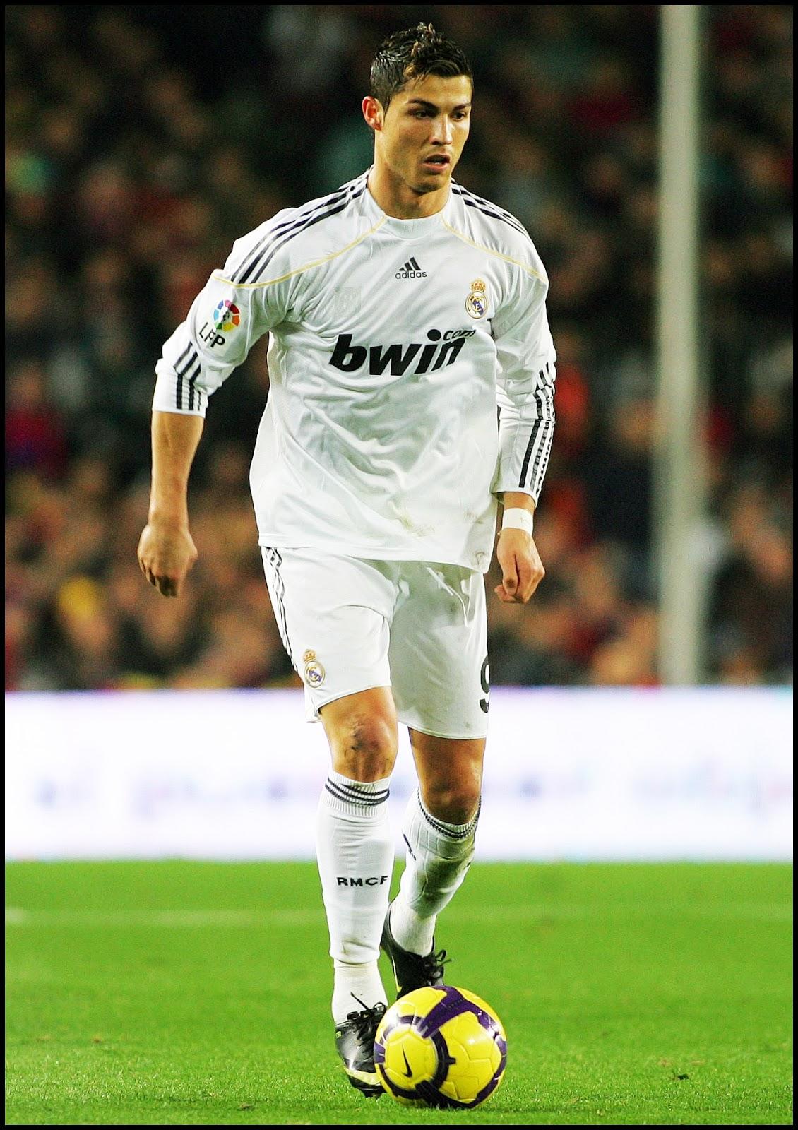 http://4.bp.blogspot.com/-WzVCZEXvCzE/Tv3nTMmUaZI/AAAAAAAAEAs/xRikmvtKHGg/s1600/Cristiano+Ronaldo+IV.jpg
