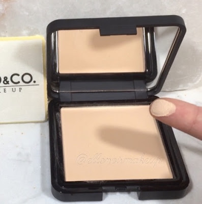 Swatch della cipria NIYO & CO. 02 BEIGE MAKE UP