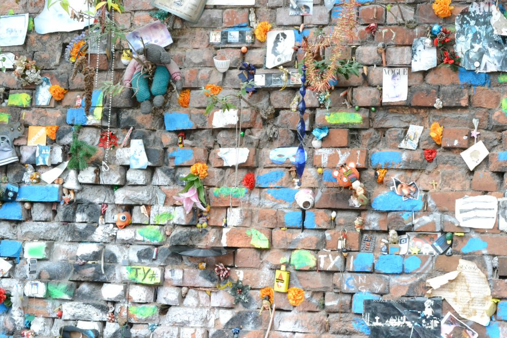 wall stuff brick lane market london